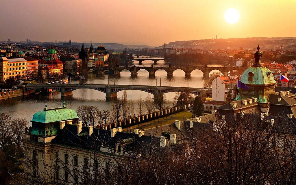 Будапешт, Відень, Прага