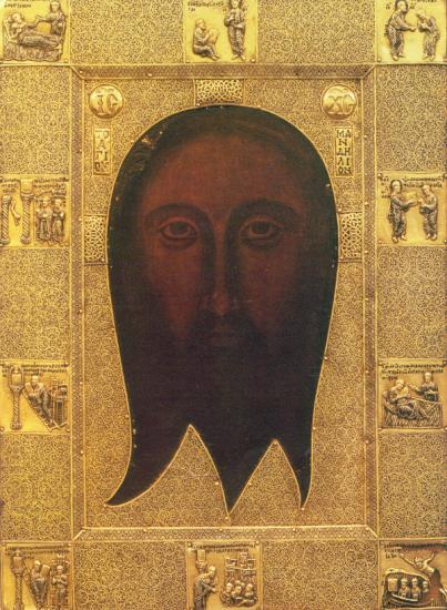 До нерукотворного образу Христа у Львові вишикувались багатометрові черги