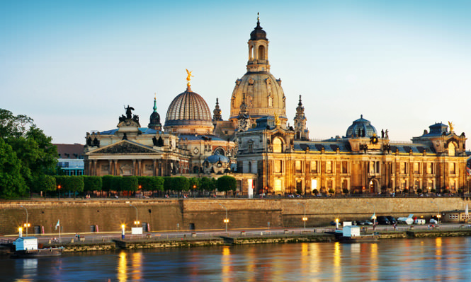 istock_package_nh-dresden-altmarkt-kulturelle-highlights-in-dresden_mini