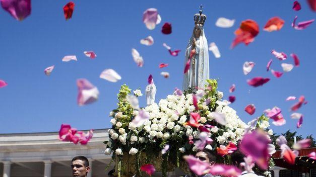 Senora-Fatima-procesion-homonoma-Portugal_TINIMA20130518_0095_5