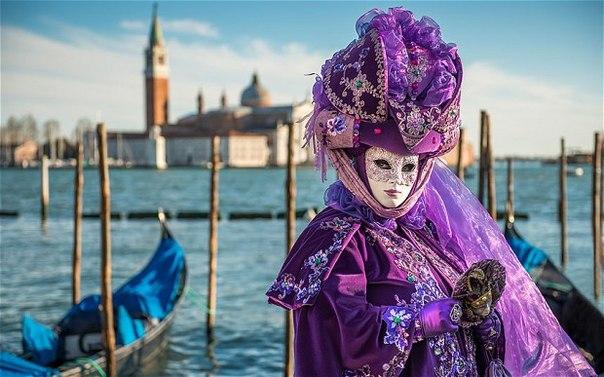 До Венеції на карнавал