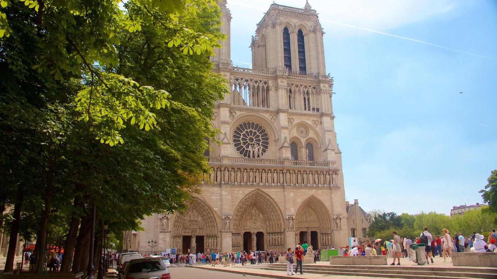 Святинями Парижа та Люксембургу