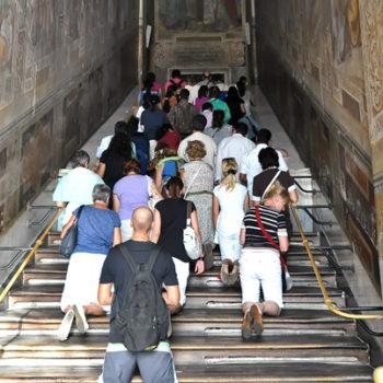 Святі сходи без дерев'яної обшивки вперше за 300 років можна буде побачити цього квітня