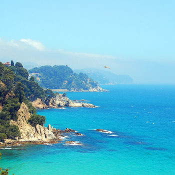 Відпочинок на морі в Іспанії + Люрд-Барселона-Монсеррат